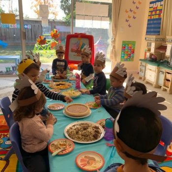 happy-thanksgiving-table-popsicleland-daycare